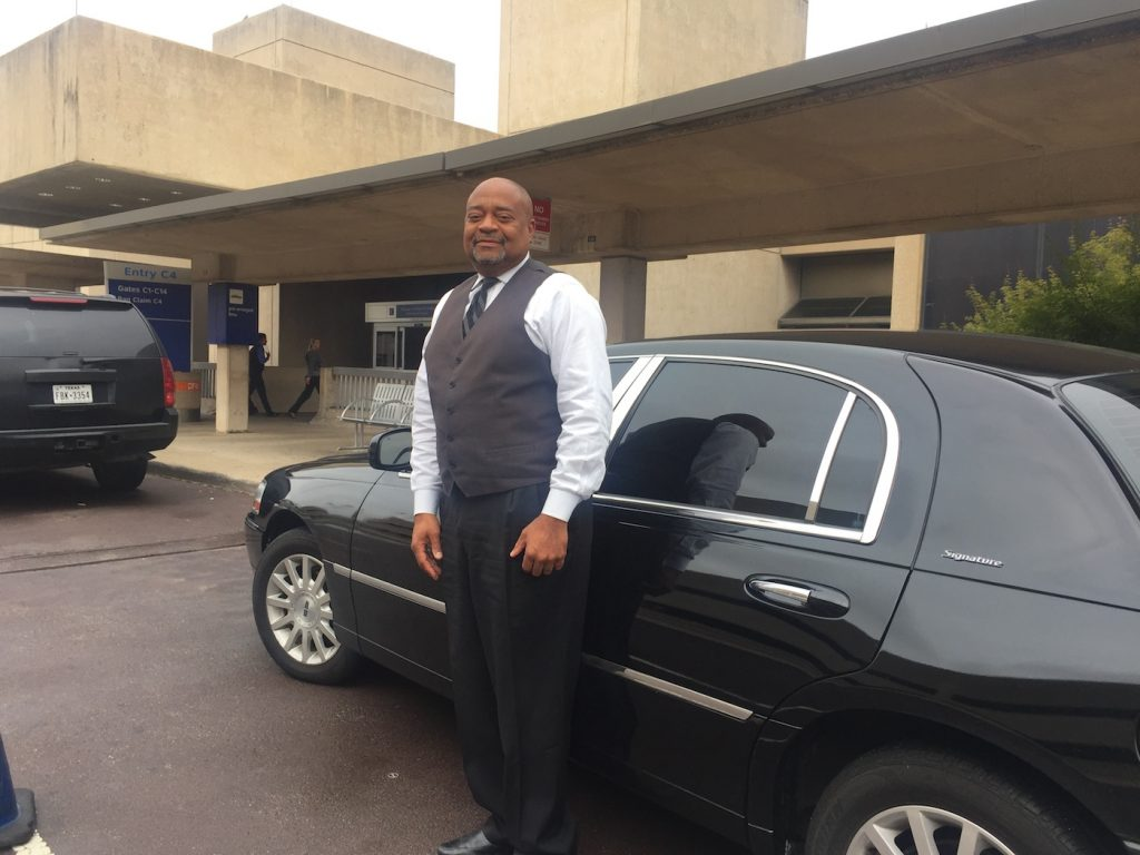 Black Town Car Executive L