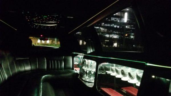 Black Lincoln Stretch Seats 8-10 Passengers.