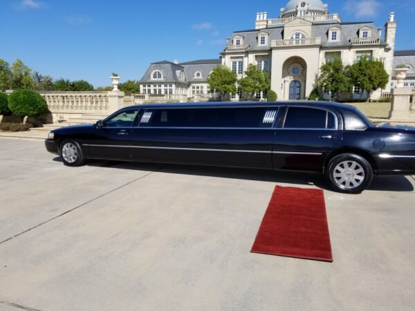 8-10 Lincoln Stretch Limo